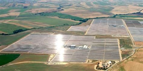 В сша сгорела крупнейшая в мире солнечная электростанция газета.ru