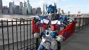 New York's Real Life Transformer Robot - ViYoutube