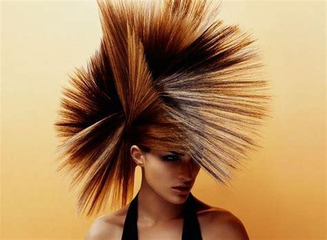 frisur langes gesicht hohe stirn frau punk frisur hair