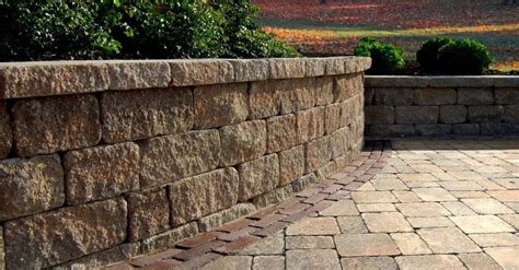 Uniblock Wall by 4 Timeless Finishes For Your New Hshire Retaining Wall