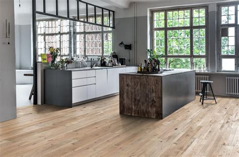 Living Room Flooring Trends 2015 by Top Flooring Trends Of 2018 Fishpools Lifestyle