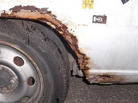 siege auto 1 an corrosion perforante est ce grave docteur carrosserie