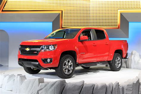 nissan colorado 2015 2015 chevy colorado mid size pickup to offer diesel option