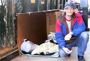 Living In A Box : he is living in a cardboard box the new york times ~ Eleganceandgraceweddings.com Haus und Dekorationen