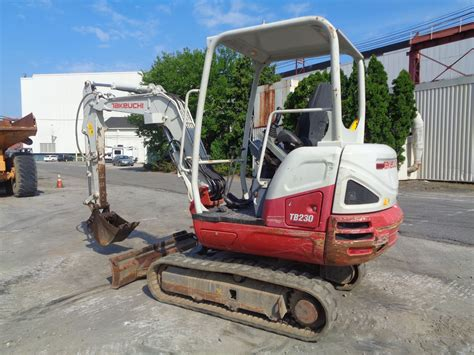 takeuchi model tb  hours  year  sn  auxiliary hydraulics diesel rub