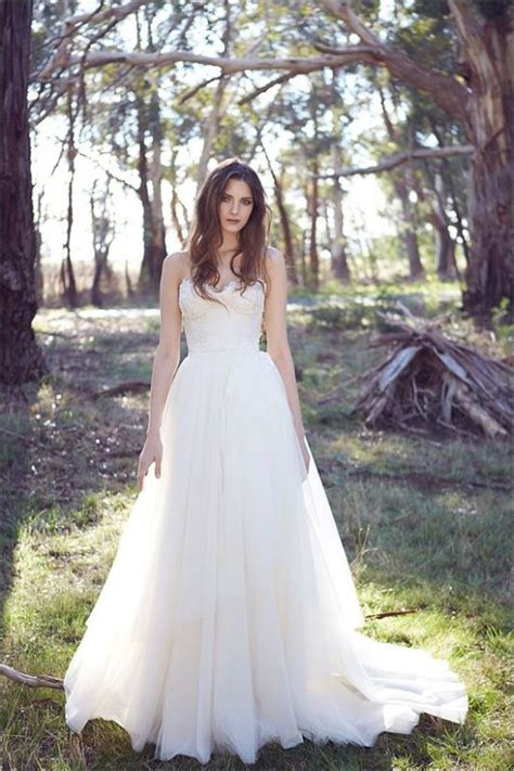 picture  stylish  pretty backyard wedding dresses