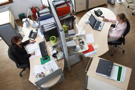 perks  pitfalls  working   desk job