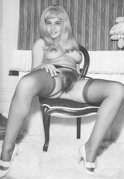 Retro girls with stockings and suspenders framing hairy cunts - P
