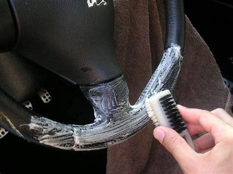comment nettoyer des sieges en cuir de voiture nettoyer intérieur cuir mode d 39 emploi photos