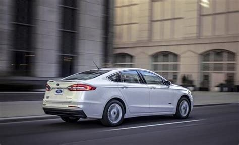 ford fusion sedan features  specs southern