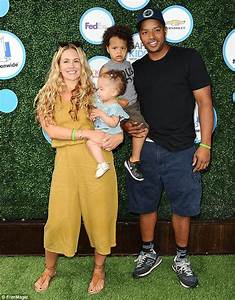 Donald Faison spends quality time with his three children ...