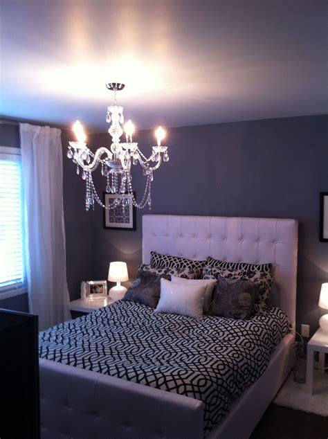 Black And White Chandelier Bedding by Black And White Chandelier Modern Bedroom For