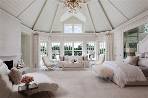 hamptons homes  sale   master suites curbed