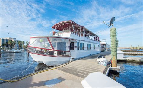Discover amazing houseboat rentals   Vrbo