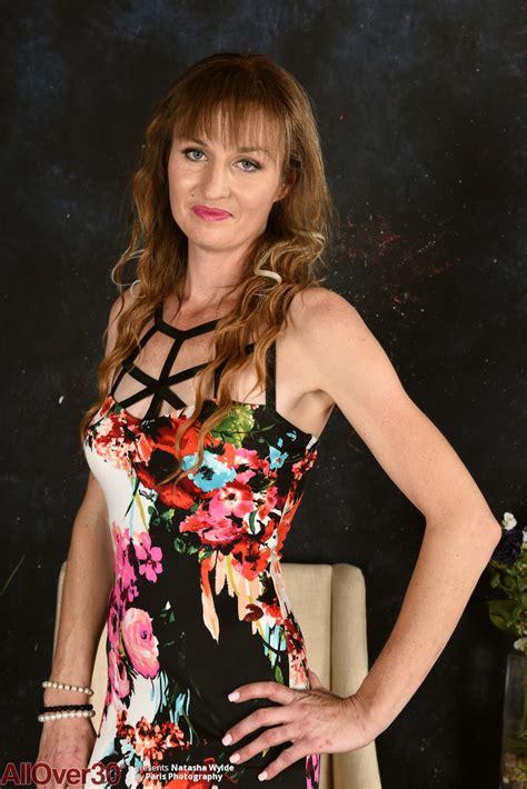 Natasha Wylde Slim Milf