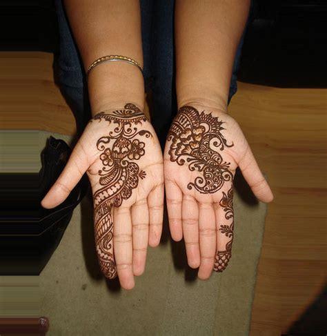 Pakistan Cricket Player: Simple Arabic Henna Design