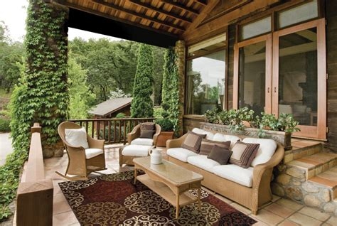 Entertain In Style With These Outdoor Patio Decorating
