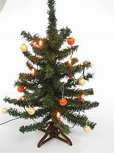 Weihnachtsbaum Komplett Geschmückt : puppenstubenzubeh r weihnachtsbaum komplett mit kugeln und 12 volt lichterkette ~ Markanthonyermac.com Haus und Dekorationen