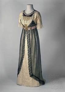 Evening dress ca. 1910 From the Museum of Decorative Arts ...
