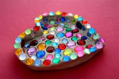 fun kids valentine craft sparkle heart dishmake