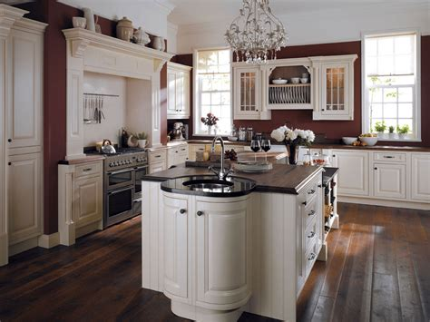 Traditional Kitchens : 4 Elements Could Bring Out Traditional Kitchen Designs
