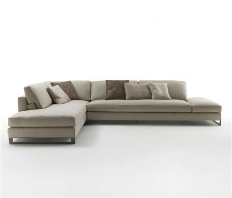 flat sofa davis flat sofas from frigerio architonic