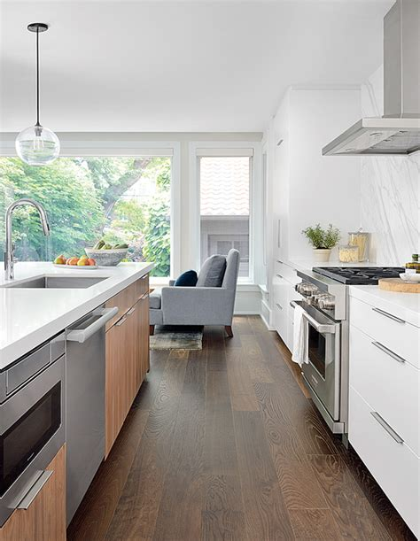 indoor outdoor kitchen    warm spring days