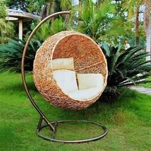 Fauteuil Cocon Suspendu : la chaise suspendue indispensable pour la d co de jardin ~ Teatrodelosmanantiales.com Idées de Décoration