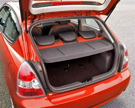 Hyundai Accent Trunk Space by 2006 Hyundai Accent Pictures Cargurus