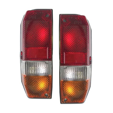 taillights pair fits toyota landcruiser   series