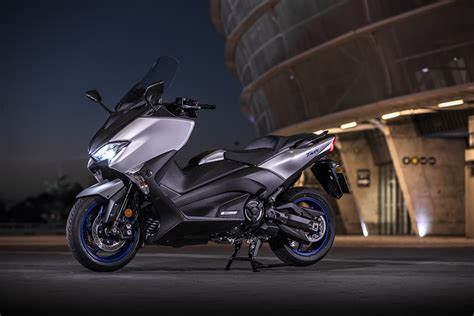 Yamaha Xmax Backgrounds by Yamaha Introduces The 2017 Tmax Hyper Scooter Range Za