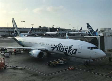 united airlines baggage alaska plans on an all boeing fleet term one