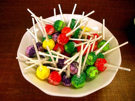 canapé lolet bestand bowl of lollipops jpg