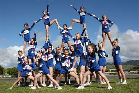 Pin Hard Cheerleading Stunts