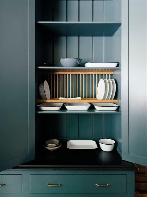 plate rack    open shelving   kitchen    level kitchen cabinet