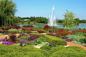 Panoramio photo of chicago botanic garden fountain for Chicago botanic gardens