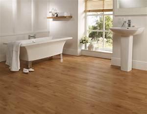 Sol Bois Salle De Bain : le parquet stratifi dans la salle de bains est une ~ Premium-room.com Idées de Décoration