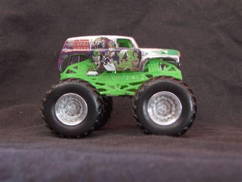 grave digger monster truck toys toy monster trucks toy monster truck photos
