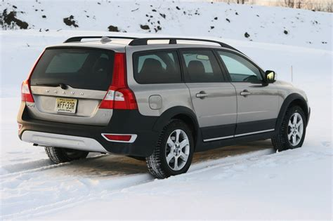 2008 Volvo Xc70 by Review 2008 Volvo Xc70 Photo Gallery Autoblog