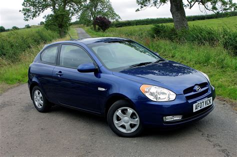 hatchback hyundai accent hyundai accent hatchback review 2006 2009 parkers