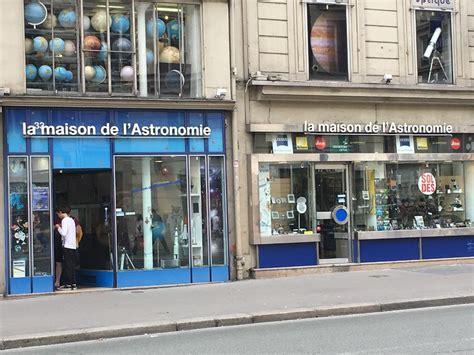 maison de l astronomie rue de rivoli ventana