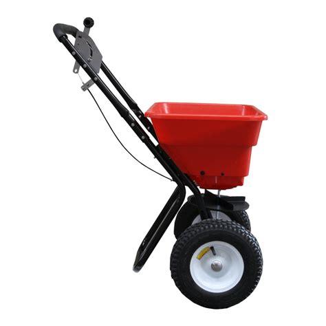 epandeur a engrais pour pelouse 28 images epandage d engrais fertilisation pelouse entretien