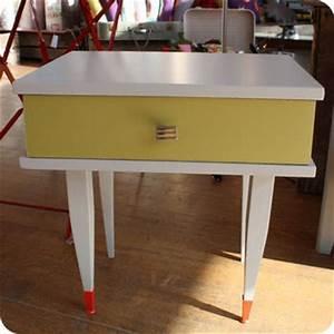 Table De Chevet Jaune : meubles vintage consoles petits meubles table de chevet ann es 60 fabuleuse factory ~ Melissatoandfro.com Idées de Décoration