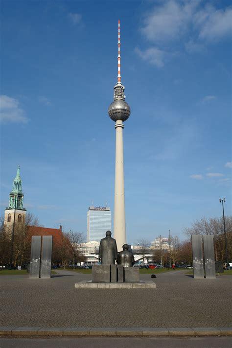 Fernsehturm Berlin by File Fernsehturm Berlin 2007 03 15 1 Jpg
