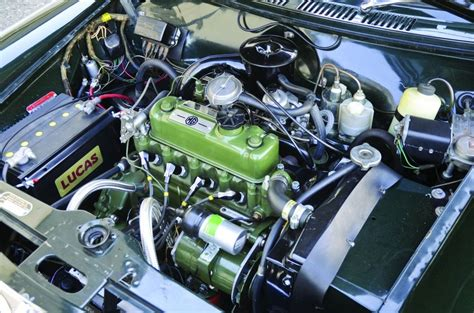 'The Bigger, Better Mini' - 1964 MG 1100 and 1971 Aus ...
