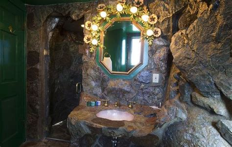 madonna inn inn madonna bathroom