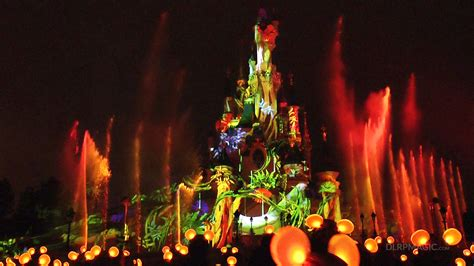 Disney Light Show by Disney Dreams New 2013 Edition With The King