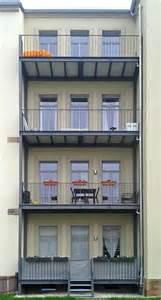 balkone stahl balkone und balkonanlagen planen bauen wir für sie bau und kunstschlosserei quooß metallbau