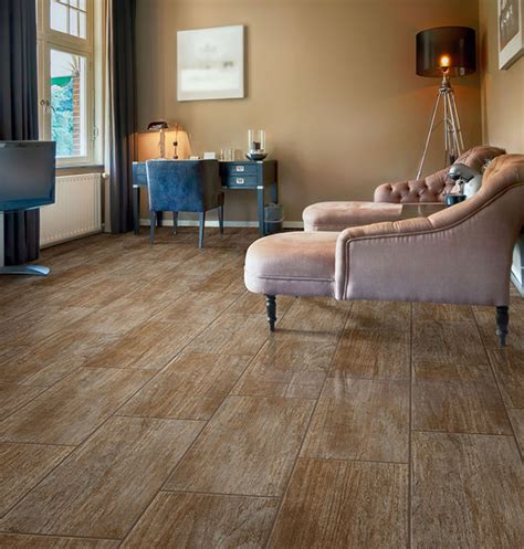 Duraceramic Flooring That Looks Like Wood by Laminate Floor Tiles That Look Like Ceramic Roselawnlutheran