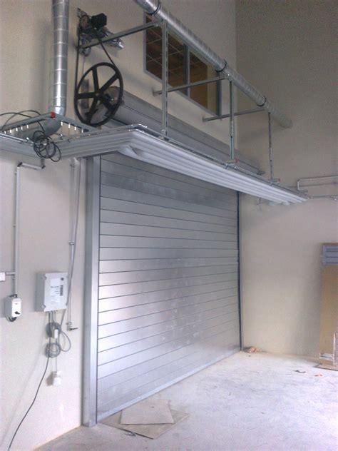 rideau metallique cuisine portes sectionnelles rideau métalique porte souples
